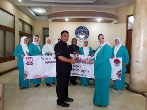 IWU dan PERWARI serahkan Dana Bantuan Peduli Palu dan Donggala melalui Pikiran Rakyat_E